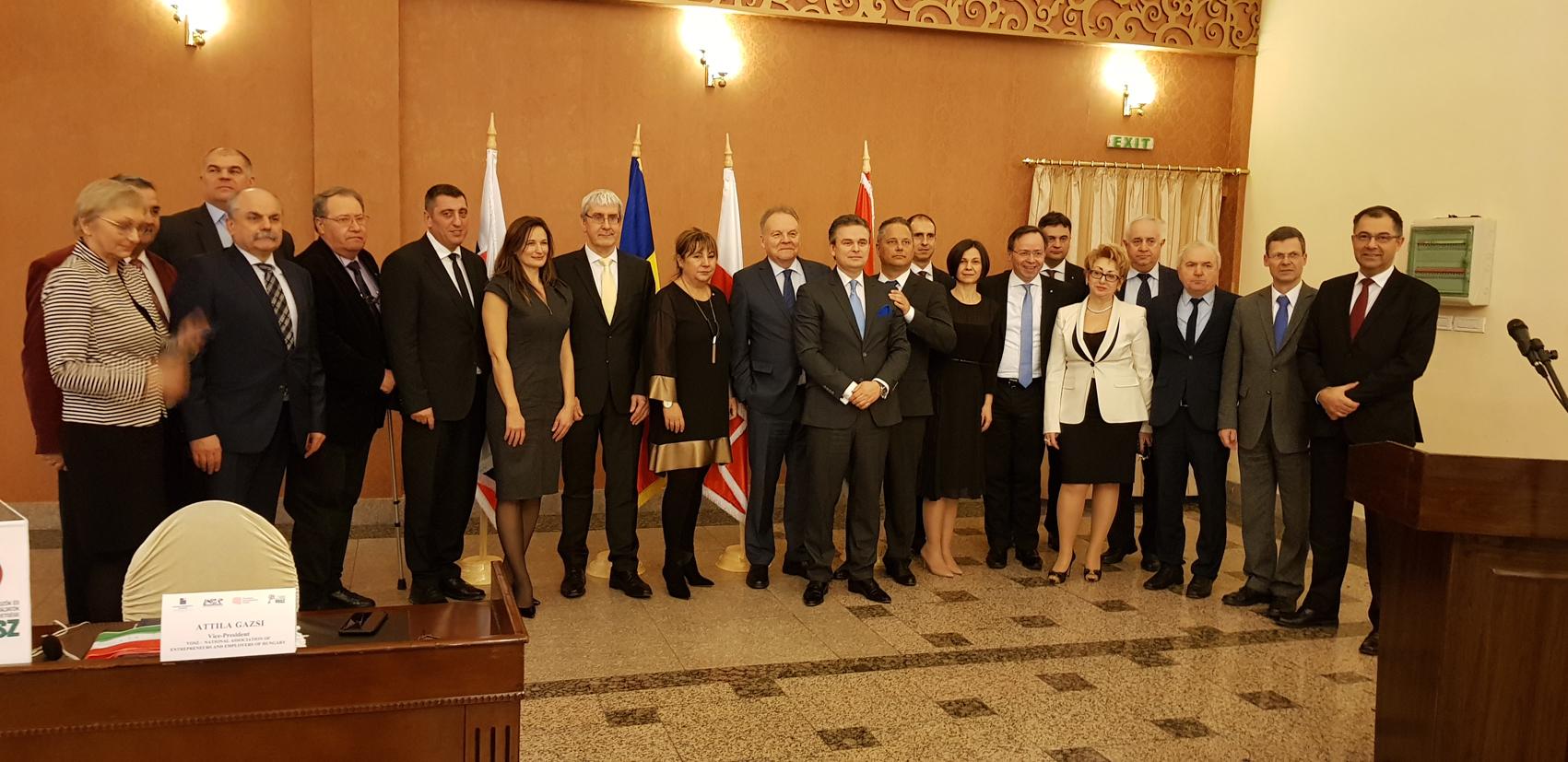 Acord de cooperare semnat între patru confederaţii patronale est-europene Cluj-Napoca 3